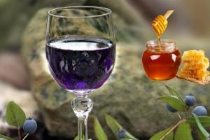 Вино из варенья черники
