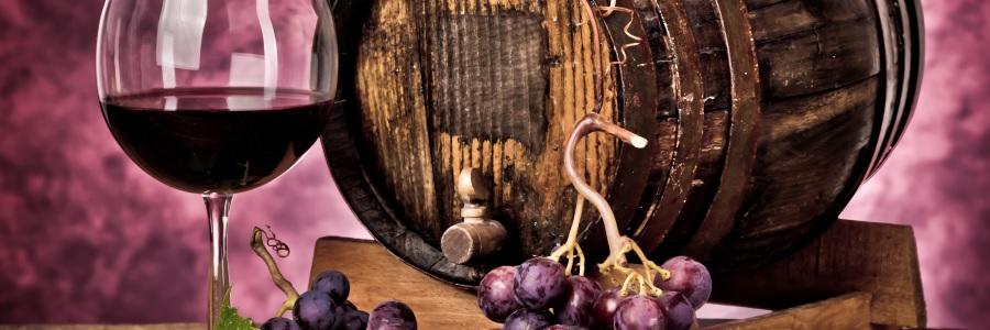 Хорошее виноградное красное вино